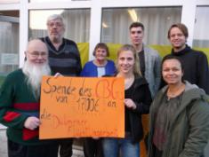 Spendenübergabe an die Flüchtlingshilfe