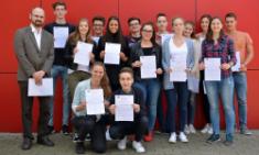 Zweisprachige Zertifikate für Projektkurs Business Class