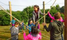 Fünftklässler besuchen Niedrigseilgarten